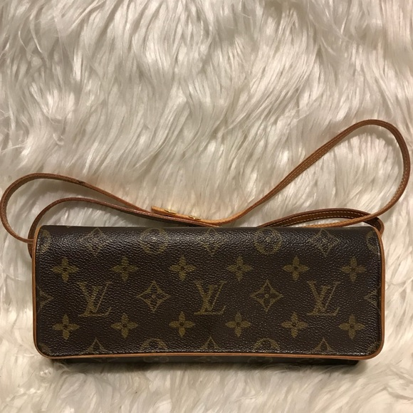 92c74eb507fa Louis Vuitton Handbags - Authentic Louis Vuitton Twin Pochette.  CA0094